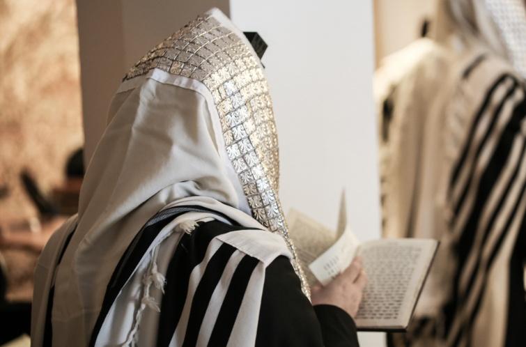 Man praying at synagogue
